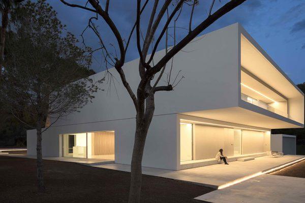 Casa nella foresta di pini (Spagna) by Franc Silvestre Architectos