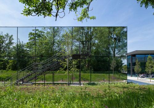 Architettura evanescente. Dyson's countryside campus by Wilkinson